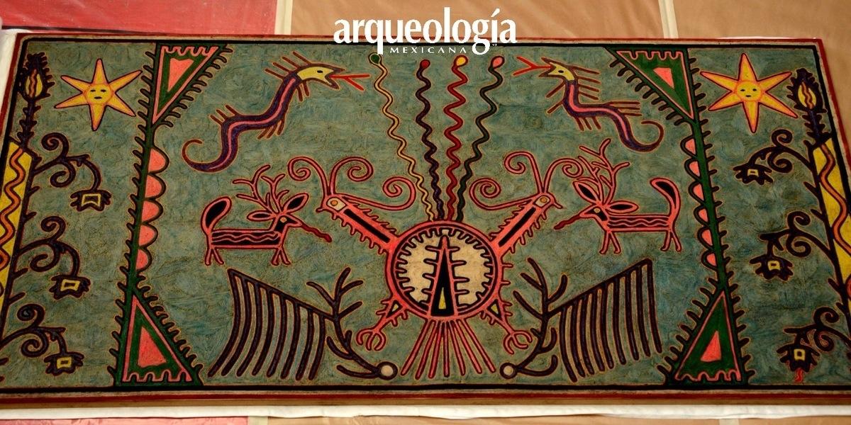 """Restauran la """"Tabla Nierika"""", atribuida al artista huichol José Benítez Sánchez"""