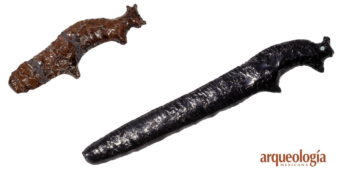 Un cuchillo ceremonial de obsidiana roja