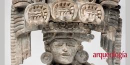 Vasija con rostro humano y representaciones de maíz y agua