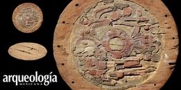 Escudo de madera encontrado en Acapulco, Guerrero