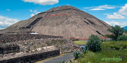 Las pirámides, montañas sagradas